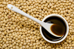 Sauce de soja et haricots photo libre de droits