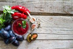 Sauce et ingrédients à Tkemali Photos libres de droits