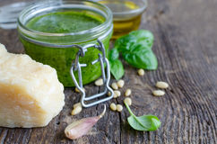 Sauce Genovese à pesto images stock