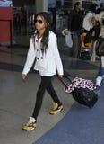 Sauce Smith del cantante en el aeropuerto de LAX, California Imagenes de archivo