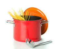Saucepan with spagetti Royalty Free Stock Photos