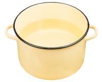 Saucepot jaune classique d'émail avec de l'eau d'isolement Photo libre de droits