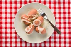 Saucisse aigre à l'oignon photo libre de droits
