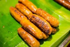 Saucisse aigre sur le marché de Trang photographie stock