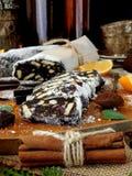 Saucisse de chocolat Dessert fait de biscuits, chocolat et écrous Photos libres de droits