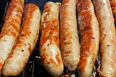 Saucisse de Thuringian sur le gril de jardin photo stock