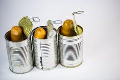 Saucisses, saucisses dans une boîte en fer blanc ouverte Images stock