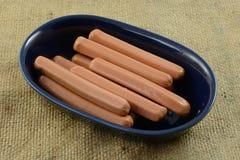 Saucisses de francfort crues crues de hot-dog de dinde Photo stock