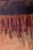 Saucisses faites maison de séchage Photos libres de droits
