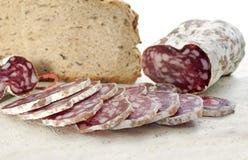 Saucisson και ψωμί Στοκ φωτογραφία με δικαίωμα ελεύθερης χρήσης