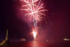 Saudação, fogos-de-artifício acima do louro. imagem de stock