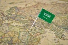 Saudi-Arabien Karte und Flagge lizenzfreie stockbilder
