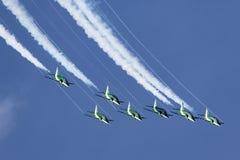 Saudi feilbietet Aerobatic Team Display Lizenzfreie Stockfotos