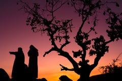 Saudische Leute in der Natur in Saudi-Arabien - Schattenbild im n?chtlichen Himmel - Ramadan - Eid lizenzfreies stockfoto
