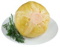 Sauerkraut με τα παντζάρια στο άσπρο πιάτο Στοκ φωτογραφία με δικαίωμα ελεύθερης χρήσης