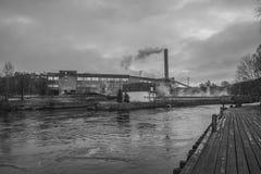 Saugbrugs造纸厂(工厂的部分) b&w 免版税库存照片