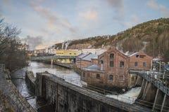 Saugbrugs造纸厂(Skonningfoss能源厂) 库存照片