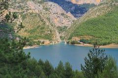 Sauge de verdon, blå gummilacka i söderna av Frankrike arkivfoto