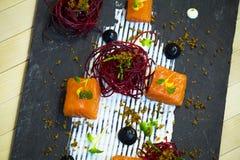 Saumons avec des betteraves Photographie stock libre de droits