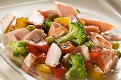 saumons de salade images stock