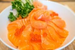 Saumons frais avec le caviar Image libre de droits
