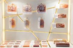 Saumons sur l'affichage chez Tuttofood 2019 à Milan, Italie images stock