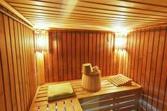 Sauna con los accesorios listos para lavarse Imagenes de archivo