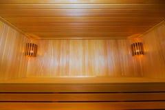 Sauna de madera clásica dentro Imagen de archivo
