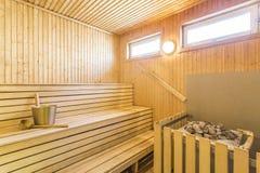 Sauna - intérieur d'un sauna finlandais de détente Image libre de droits