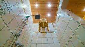 Sauna prysznic i wiadro zimna woda zdjęcie wideo