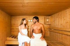 Sauna skąpanie w parowym pokoju obrazy royalty free
