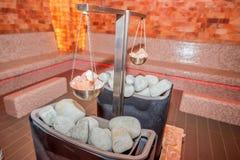 Sauna z solankowymi pucharami Zdjęcie Royalty Free