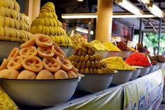 Saure Früchte, die in der Schüssel sauer sind lizenzfreie stockfotografie