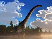 Sauropod g?ant dans un lac illustration de vecteur