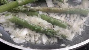 Sautéed met asperge