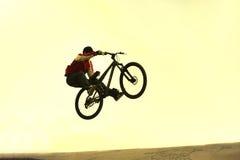 Saut de bicyclette Images libres de droits