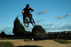 Saut de BMX Photographie stock