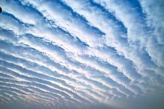 Saut de pression de nuage Photo stock