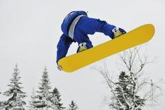 Saut de Snowboard Photographie stock libre de droits