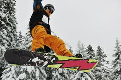 Saut de Snowboard Image stock