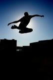 Saut dynamique Photographie stock libre de droits