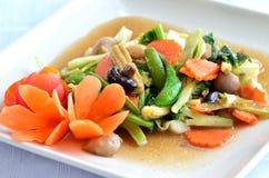 Sauted gemengde groenten in oestersaus Stock Afbeelding