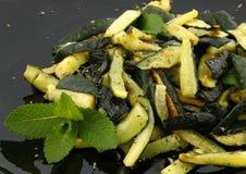 Zucchinis с мятой Стоковое фото RF