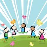Sauter d'enfants Photo libre de droits