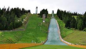 Sauts à skis dans le pays Image libre de droits