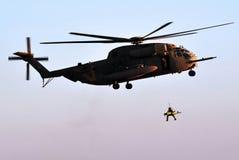 Sauvetage par hélicoptère d'armée Image stock