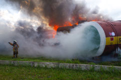 Sauveteur du travail La délivrance du feu éliminent le feu Photos stock