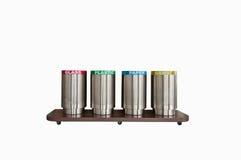 Sauvez l'Esarth, quatre poubelles, séparez chaque type de déchets (avec Photographie stock libre de droits