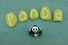 Sauvez le panda, type coloré conceptuel de logo de pierres au-dessus du sable vert illustration libre de droits