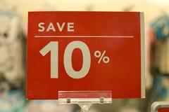 Sauvez le panneau rouge de signe de dix pour cent Photos libres de droits